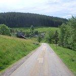 abgelegene Strasse in ein kleines Dorf