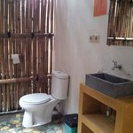 Sulawesi room: outdoor bathroom. Don't worry, no one will peek you..