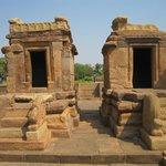 2 small shrines