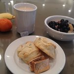 My spa breakfast... More fresh, full of gluten, apricot and current scones!!