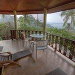 Terasse der Fern Villa 5 mit Blick aufs Meer