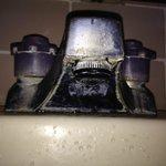 Wasserhahn von noch ungebrauchtem Bad