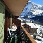 Relaxen auf dem Balkon bei schönstem Wetter