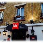 Hotel IBIS Porte Dorée entrée extérieur