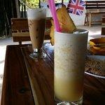 Pineapple shake and iced coffee! Mmmm....