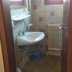 shower/WC, suite 5 (apartment 6)