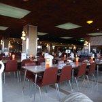 560席の大食堂