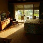 Master bedroom showing 2nd lanai