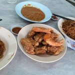 Fried fish bee hoon at Goh Chew Cafe
