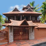 Located barely 200 metres from the Papanasam Beach, also known as the Varkala Beach, Omsam Guest