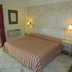 Schlafzimmer der Suite
