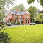 Glenmore manor - holiday let in Lurgan Northern Ireland - heated in door swimming pool - sleeps