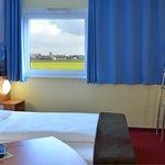 B&B Hotel München-Airport - Familienzimmer für 4 Personen