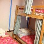 저랑 친구가 묶었던 방이에요~ 깔끔하게 정돈된 이불과 수건,배게시트 포비하우스는 사랑입니다...♡♥︎