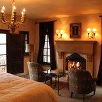 Kenwood Beautiful Room - Room 22
