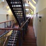 лестницы (не хватает только сеток в межэтажных пролетах)