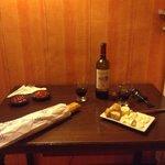 Um lanche a francesa no quarto do hotel...