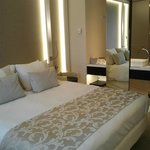 Room with kingsize bed