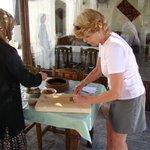 Cooking class in Aravan evi