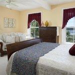 Jordyn lea Guestroom - nice harbor WATER VIEW, 2nd floor, private bath, A/C