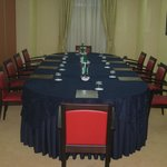 Sala meeting tavolo presidenziale 10 Pax