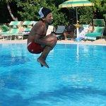 Tuffi in piscina