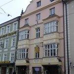 Maria Theresa St. Corner