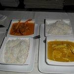 Pato al curry rojo y pollo al curry amarillo