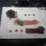 Terrine de foie gras de canard du sud ouest maison farcie aux figues et gelée de sangria