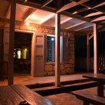 Russel`s Bar & Restaurant @night