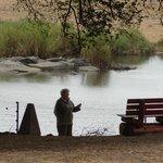 bereik met mobiele telefoon is onder de boom
