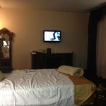 Room showing size of TV from the far bed