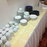 Mesa de louças do café da manhã