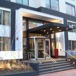 entrance to avenue suites