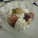 profiteroles de madeleines glace mirabelle chocolat fondu