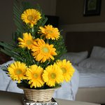 If you are blessed like me than you might have a arranged flowers in your room too :) Housekeepi