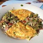 Omelette et salade à tomber