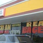 """Real"" bagels at Lox n Egg Bread Company"