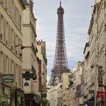 Environnement - Rue Saint-Dominique - Vue Tour Eiffel