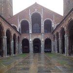 Sant'Ambrogio: esterno.