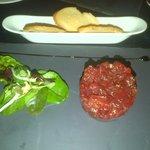 Tartar de atún con soja y ralladura de lima