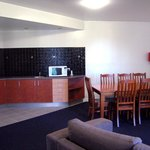 King Suite 8 person dining area and kitchenette