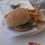 hamburger avec frites à 85 pesos - 21 février 2014.