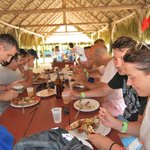 Comiendo langosta