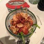 Sådan ankom salaten til vores hovedret, meget dekorativt
