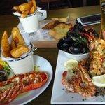 hot seafood platter+half a lobster
