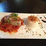 Pavé de thon sur piperade avec du riz