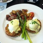 Brunch at Ryder Cup- crab cakes benedict