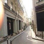 narrow streets are common
