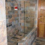 Large walk-in shower with good pressure